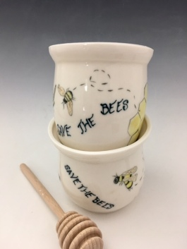 HONEY POTS W/dipper.sold order me $32-35