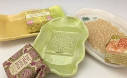 SOAP DISHES W/SOAP